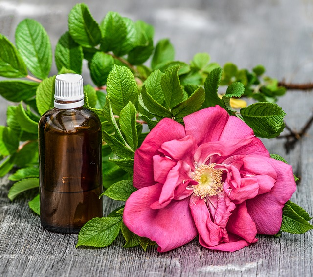 Attar & Essential Oil - What's the Difference?